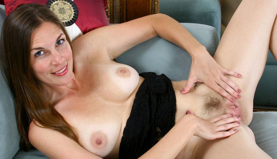 Laila hairy leyla anilos toy spreads