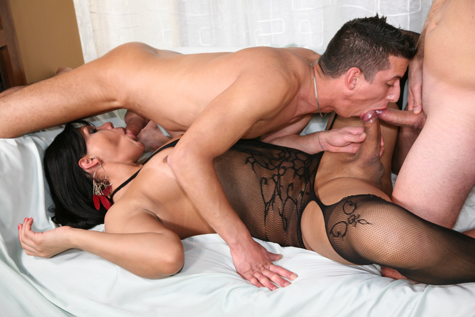 Homemade Threesome Lucky Guy
